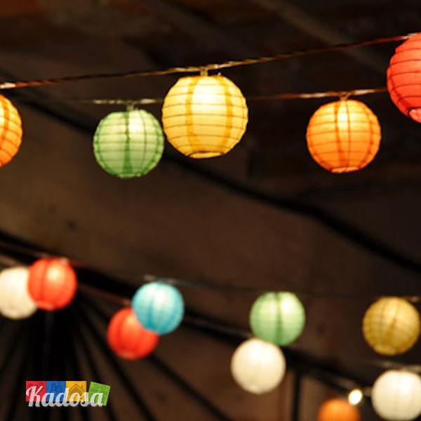Ghirlanda lanterne colorate a palla con luce led kadosa for Luci led colorate