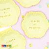 Mini Piatti FLOWER PARTY Giallo Chiaro di carta bordo Oro fiore Flower Party fiori festa a tema compleanno adulti bambini multicolore pastello primavera allestimento - TPP16-084j - Kadosa
